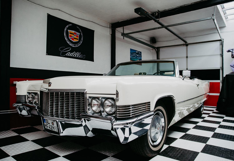 Cadillac Cabrio Garage