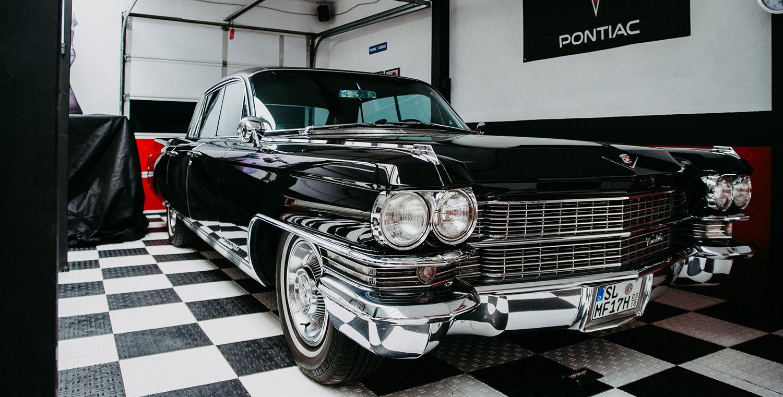 Cadillac Fleetwood Garage